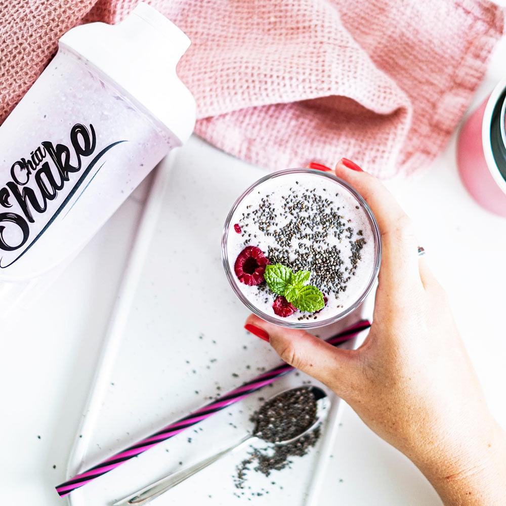 chia shake dietní koktejl jahoda malina s chia semínky